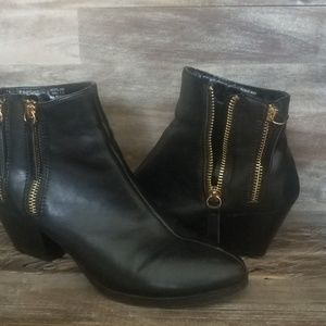 "Kenneth Cole ""Unlisted"" boots"